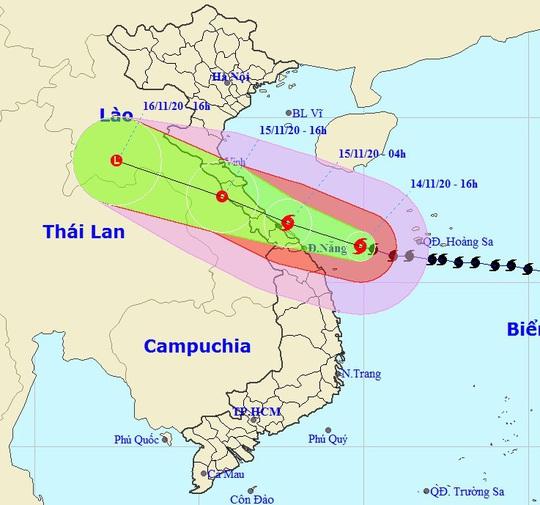 Sáng 15-11, bão số 13 đổ bộ từ Hà Tĩnh đến Quảng Nam - Ảnh 1.
