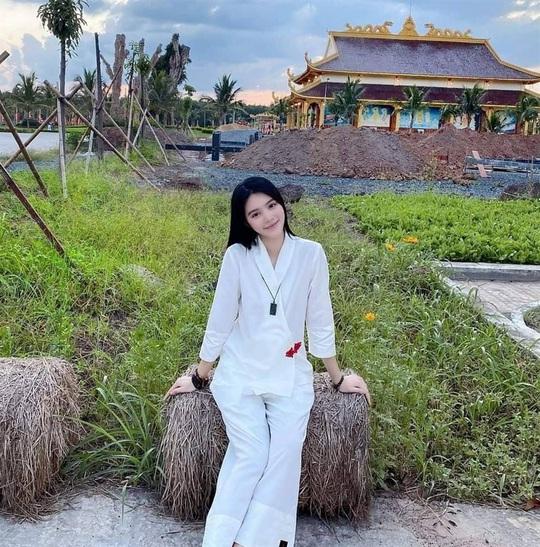 Hoa hậu người Việt tại Úc Jolie Nguyễn tái xuất sau 4 tháng ở ẩn - Ảnh 4.