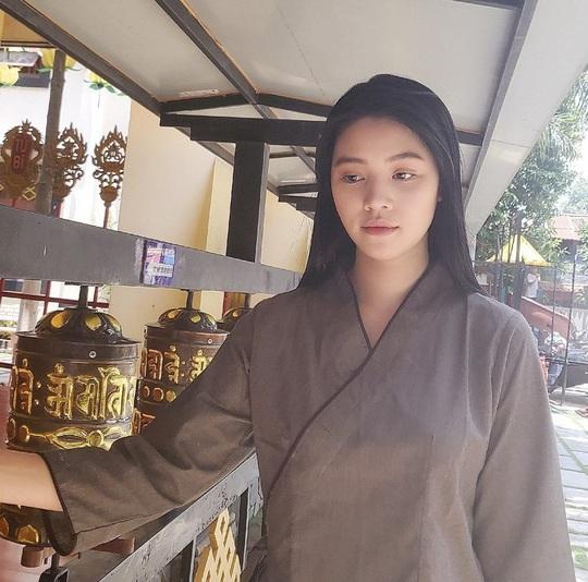 Hoa hậu người Việt tại Úc Jolie Nguyễn tái xuất sau 4 tháng ở ẩn - Ảnh 2.