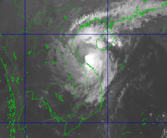 Tin khẩn cấp về bão số 13, miền Trung mưa lớn - Ảnh 2.