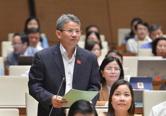 Nhiều đại biểu Quốc hội không đồng tình tách Luật Giao thông đường bộ, đề nghị lấy ý kiến - Ảnh 2.