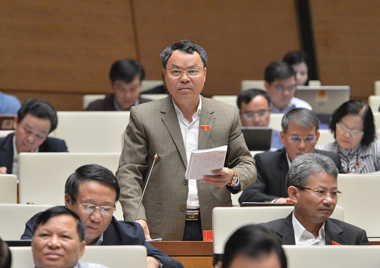 Nhiều đại biểu Quốc hội không đồng tình tách Luật Giao thông đường bộ, đề nghị lấy ý kiến - Ảnh 1.