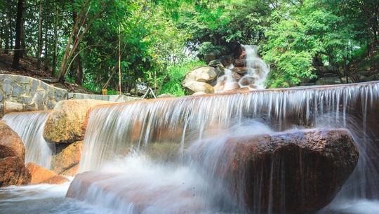 5 khu du lịch sinh thái hút khách ở Bình Dương - Ảnh 3.