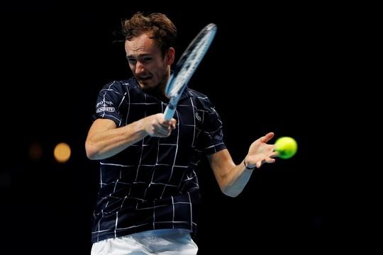 Daniil Medvedev dễ đè bẹp Hoàng tử quần vợt Đức - Ảnh 1.