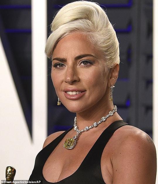 Lady Gaga đóng phim hành động cùng Brad Pitt - Ảnh 2.