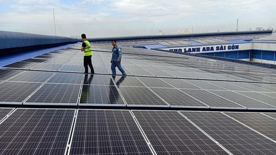 Bùng nổ điện mặt trời mái nhà ở thành phố Hồ Chí Minh - Ảnh 1.