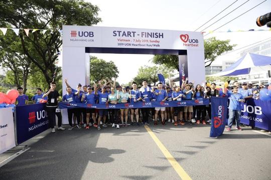 Nhân viên UOB Việt Nam tham gia giải chạy trực tuyến gây quỹ ủng hộ trẻ em - Ảnh 1.