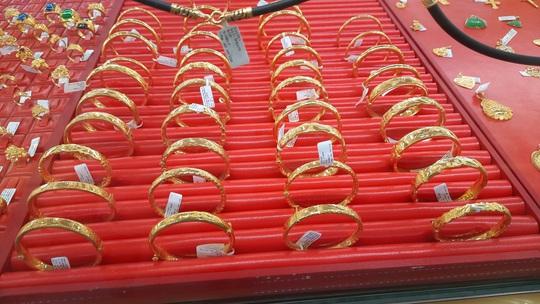 Giá vàng hôm nay 26-11: Vàng SJC tăng lên 55 triệu đồng/lượng - Ảnh 1.