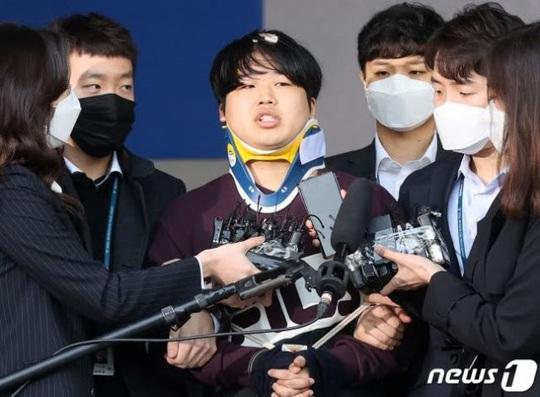 Kẻ cầm đầu đường dây tống tiền tình dục chấn động Hàn Quốc trả giá đắt - Ảnh 2.