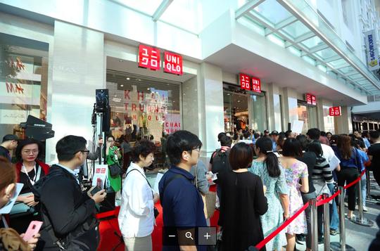 UNIQLO mang nhiều ưu đãi cho khách hàng nhân kỷ niệm một năm đến Việt Nam - Ảnh 2.