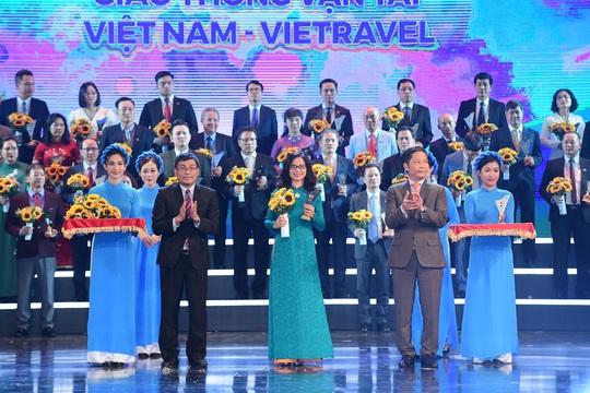 """Lần thứ 5 liên tiếp Vietravel vinh dự đón nhận danh hiệu """"Thương hiệu quốc gia Việt Nam 2020"""" - Ảnh 1."""