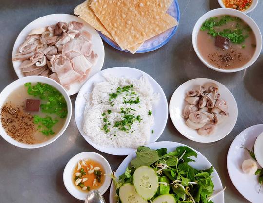 Ăn gì khi du lịch Phú Yên? - Ảnh 3.