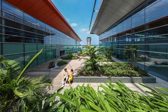 Hạ tầng du lịch: Từ điểm yếu trở thành niềm tự hào của du lịch Việt Nam - Ảnh 1.