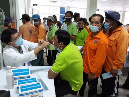 VWS chăm sóc sức khỏe cho người lao động - Ảnh 2.