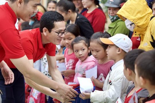 Generali Việt Nam triển khai kế hoạch cứu trợ Sát Cánh Bên Miền Trung - Ảnh 1.