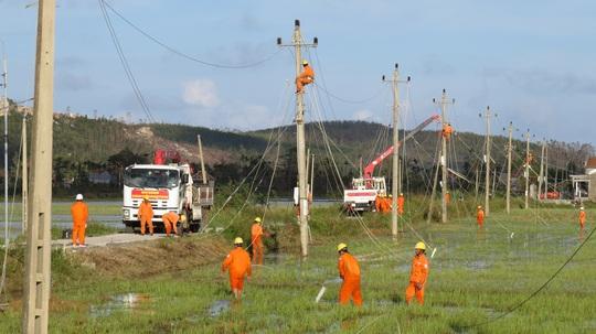 Tháng tri ân khách hàng: Điện lực miền Nam hướng về miền Trung - Ảnh 2.