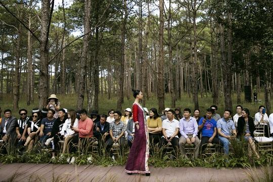 Mãn nhãn với show thời trang Hương rừng, sắc núi tại Đắk Nông - Ảnh 6.
