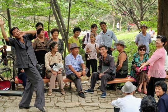 Triều Tiên qua con mắt của một hướng dẫn viên - Ảnh 3.