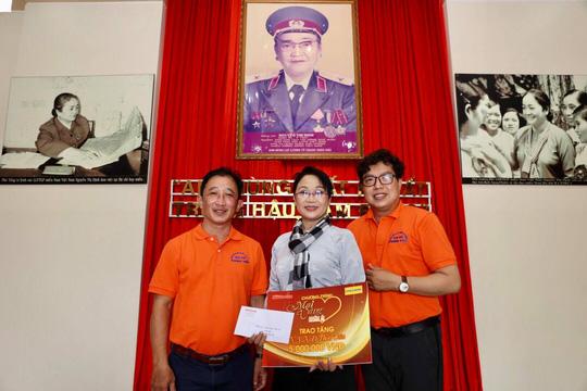 Mai Vàng nhân ái thăm NSND Thảo Vân và nghệ sĩ hài Vũ Quang tại Bến Tre - Ảnh 2.