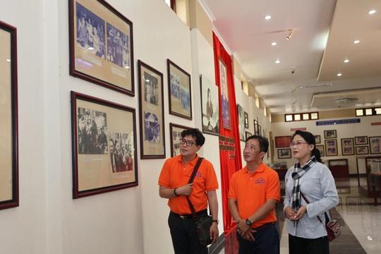 Mai Vàng nhân ái thăm NSND Thảo Vân và nghệ sĩ hài Vũ Quang tại Bến Tre - Ảnh 1.