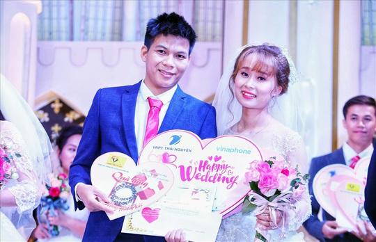 Thái Nguyên: Tổ chức đám cưới tập thể cho công nhân - Ảnh 1.