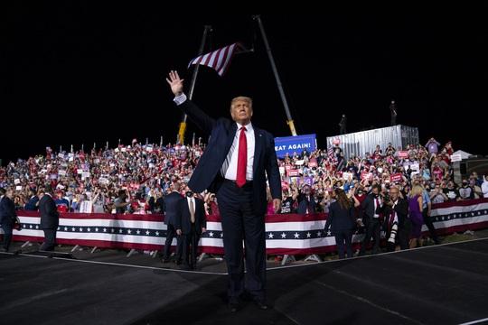Những kịch bản giúp Tổng thống Trump lật ngược thế cờ - Ảnh 1.