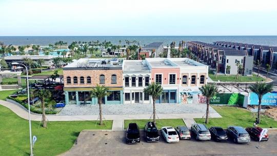 Bằng Kiều trình diễn loạt ca khúc lãng mạn bên bờ biển Hồ Tràm - Ảnh 6.