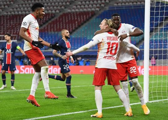 Man United đá như… U10, thua sốc Istanbul Basaksehir - Ảnh 7.