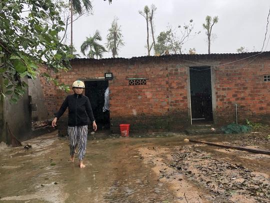 Quảng Ngãi: Thi công dự án làm tắt nghẽn lối thoát nước, gây ngập nhà dân - Ảnh 2.
