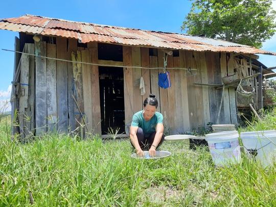 Đắk Lắk: Cán bộ bị xử lý vì để người nghèo không được hỗ trợ do Covid-19 - Ảnh 3.