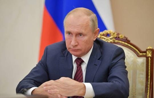 Điện Kremlin: Tổng thống Nga Vladimir Putin không có ý định từ chức - Ảnh 1.