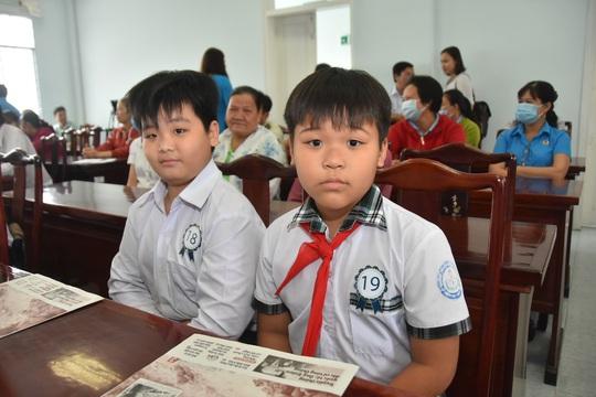 Học bổng Báo Người Lao Động đến với học sinh nghèo, học giỏi Bến Tre - Ảnh 15.