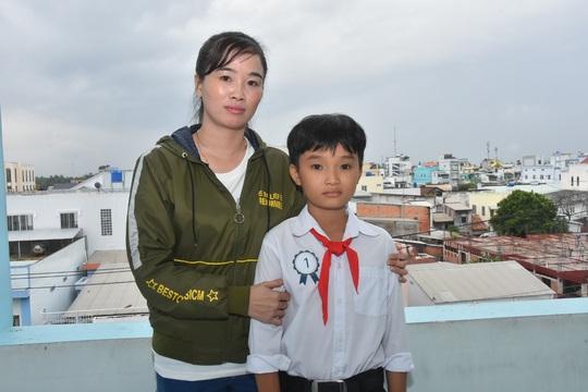 Học bổng Báo Người Lao Động đến với học sinh nghèo, học giỏi Bến Tre - Ảnh 17.