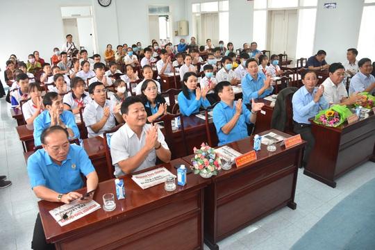 Học bổng Báo Người Lao Động đến với học sinh nghèo, học giỏi Bến Tre - Ảnh 11.