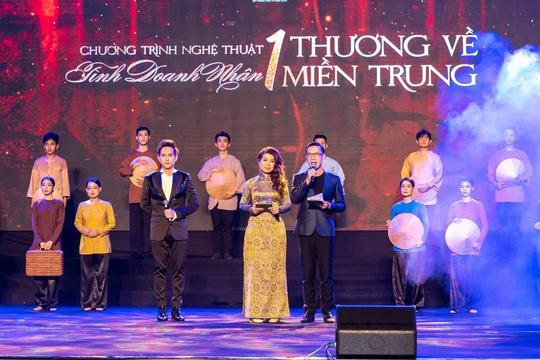 MC Anh Quân, diễn giả Thi Thảo dẫn dắt thành công đêm nhạc, quyên góp gần 4 tỉ đồng - Ảnh 1.