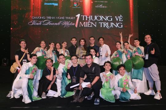 MC Anh Quân, diễn giả Thi Thảo dẫn dắt thành công đêm nhạc, quyên góp gần 4 tỉ đồng - Ảnh 2.