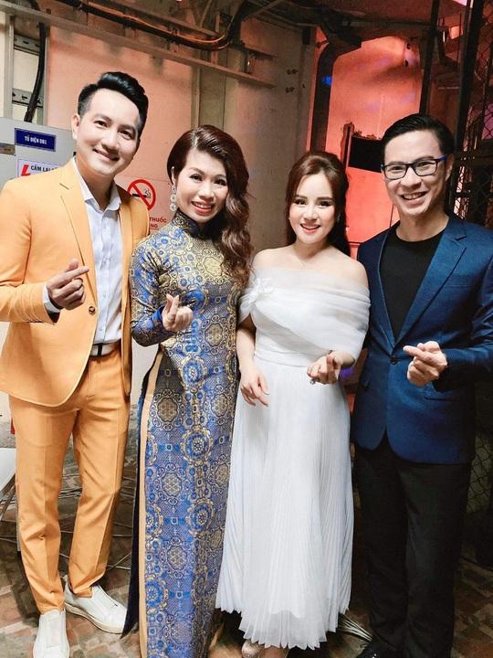 MC Anh Quân, diễn giả Thi Thảo dẫn dắt thành công đêm nhạc, quyên góp gần 4 tỉ đồng - Ảnh 5.
