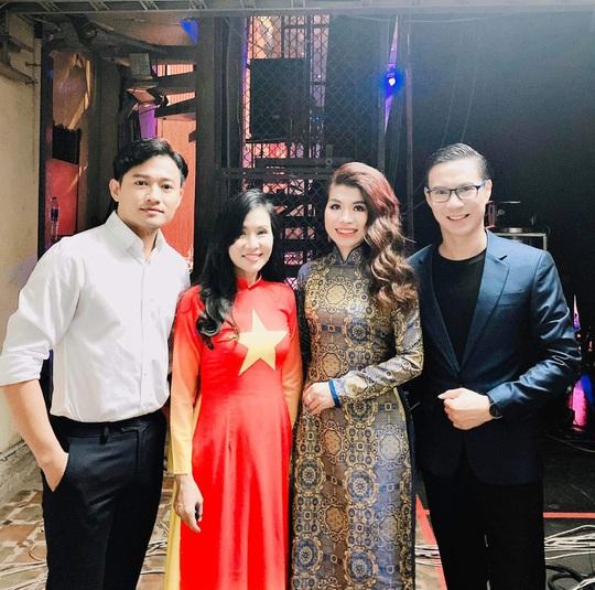 MC Anh Quân, diễn giả Thi Thảo dẫn dắt thành công đêm nhạc, quyên góp gần 4 tỉ đồng - Ảnh 9.