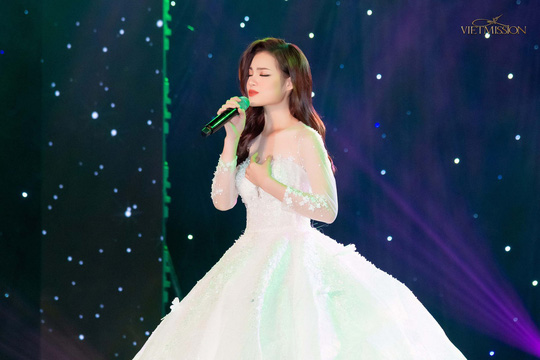 MC Anh Quân, diễn giả Thi Thảo dẫn dắt thành công đêm nhạc, quyên góp gần 4 tỉ đồng - Ảnh 10.