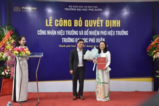 TS Hồ Thị Hạnh Tiên chính thức làm Hiệu trưởng Trường ĐH Phú Xuân - Ảnh 2.