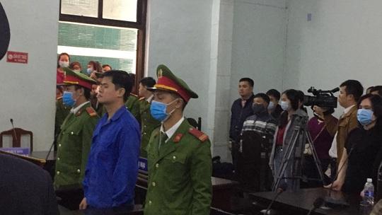 Lý do hoãn xử vụ án cựu bác sĩ Phương ở Huế - Ảnh 1.