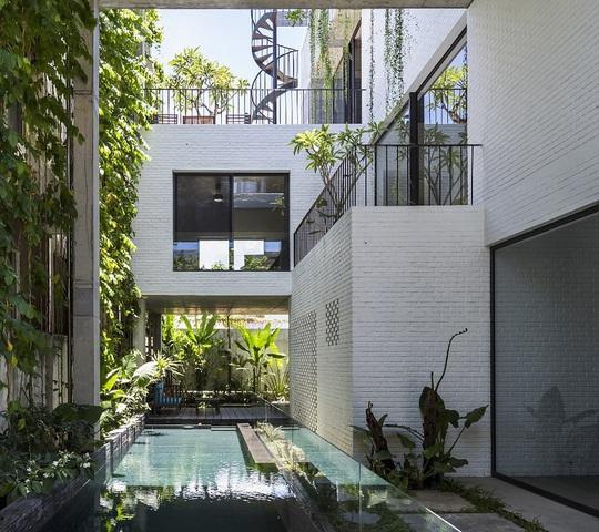 2 ngôi nhà ở Việt Nam thắng giải thưởng kiến trúc 2020 - Ảnh 2.