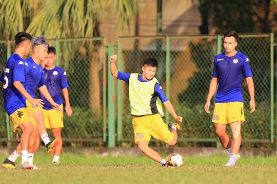 U21 Hà Nội có thể bị loại dù mang đến đội hình dự V-League - Ảnh 1.