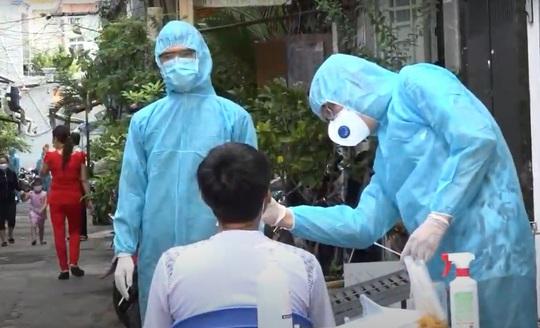 Lịch trình dày đặc của nữ học viên nhiễm Covid-19 từ giáo viên tiếng Anh ở TP HCM - Ảnh 2.