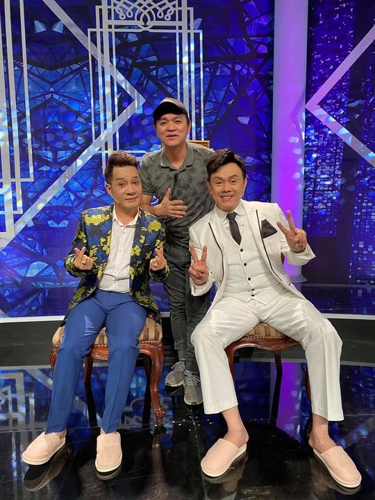 Hoài Linh, Việt Hương cùng lo thủ tục đưa thi hài nghệ sĩ Chí Tài qua Mỹ - Ảnh 5.