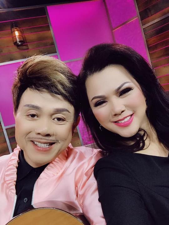 Hoài Linh, Việt Hương cùng lo thủ tục đưa thi hài nghệ sĩ Chí Tài qua Mỹ - Ảnh 2.