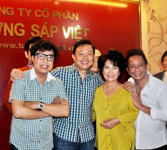Nghệ sĩ Việt Hương nhớ da diết không khí đo tượng sáp nghệ sĩ Chí Tài - Ảnh 11.