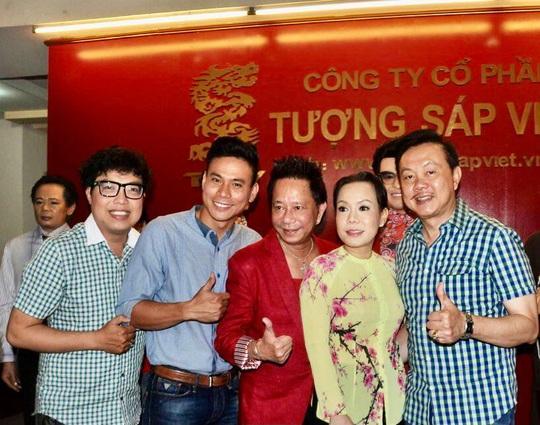 Nghệ sĩ Việt Hương nhớ da diết không khí đo tượng sáp nghệ sĩ Chí Tài - Ảnh 6.