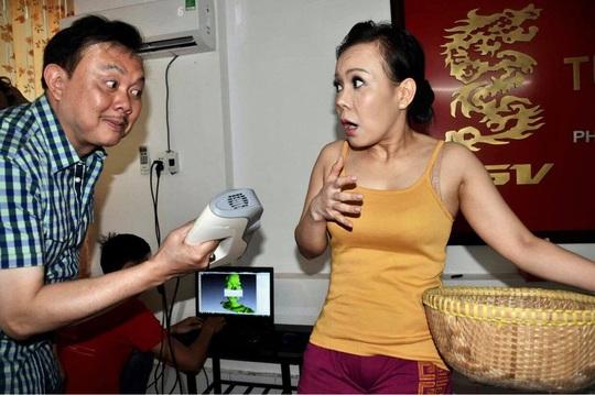 Nghệ sĩ Việt Hương nhớ da diết không khí đo tượng sáp nghệ sĩ Chí Tài - Ảnh 9.