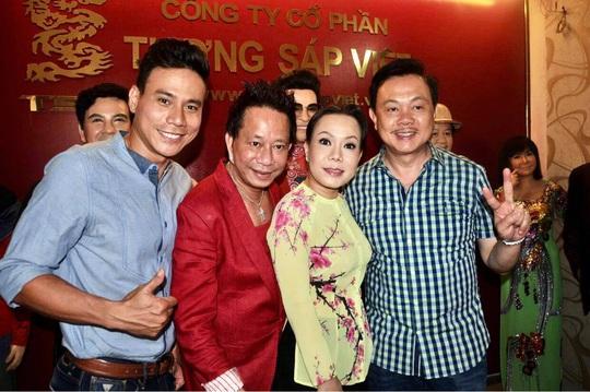Nghệ sĩ Việt Hương nhớ da diết không khí đo tượng sáp nghệ sĩ Chí Tài - Ảnh 1.